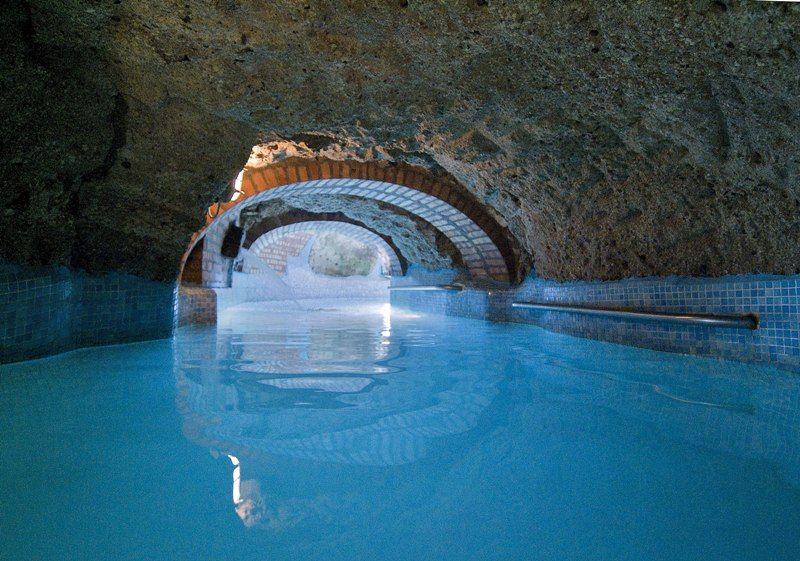 piscine-hotel-punta-chiarito-resort16